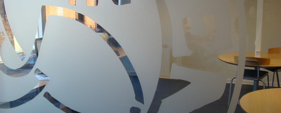Matteret folie udskæret logo for Roskilde Katedralskole